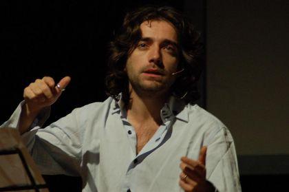 Giulio Cavalli, consigliere regionale di Italia dei valori.