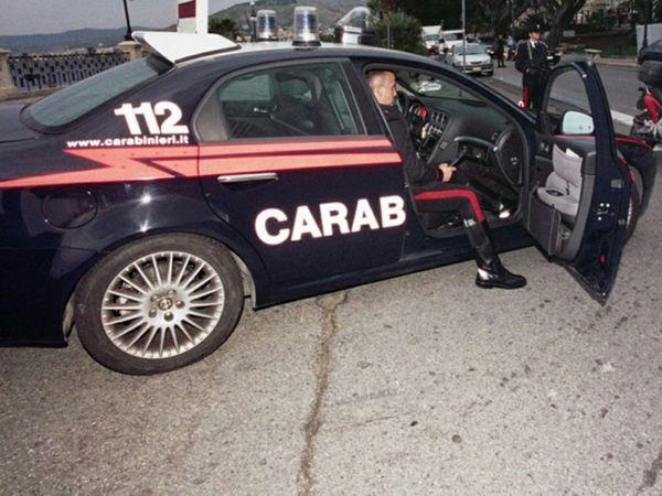 Massacrati di botte dopo un richiamo per una manovra avventata con l'auto