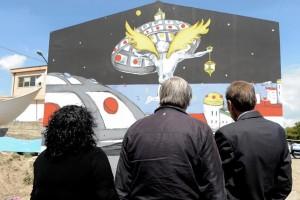 mario ciotti e donata con murales
